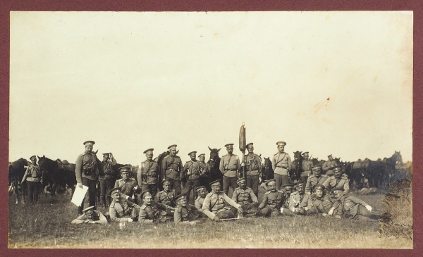 Роскошный альбом фотографий полковых смотров ввысочайшем присутствии влагере под Красным Селом.1911.