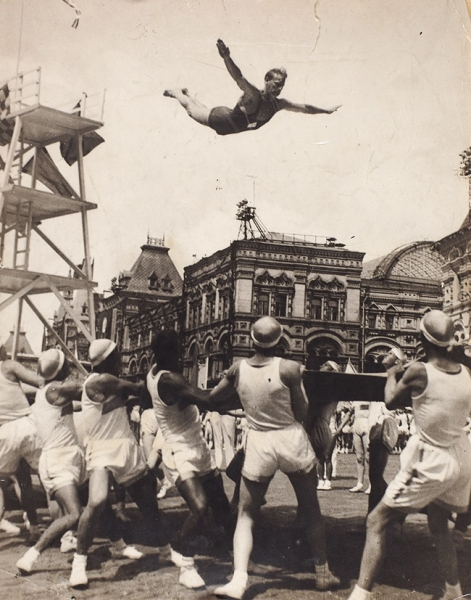 Фотография: Парад физкультурников наКрасной Площади. [1930-е гг.].
